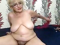 любительское, большие сиськи, бабушка, волосатые, мастурбация, соло,