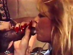 Grandes Tetas, Sexo Oral A La Mujer, Frotando Con Los Dedos, Lenceria, Lynn Lemay, Peter North, Estrella Porno, Sean Michaels, Medias Panty,